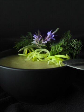 Simple And Easy Potato Leek Soup
