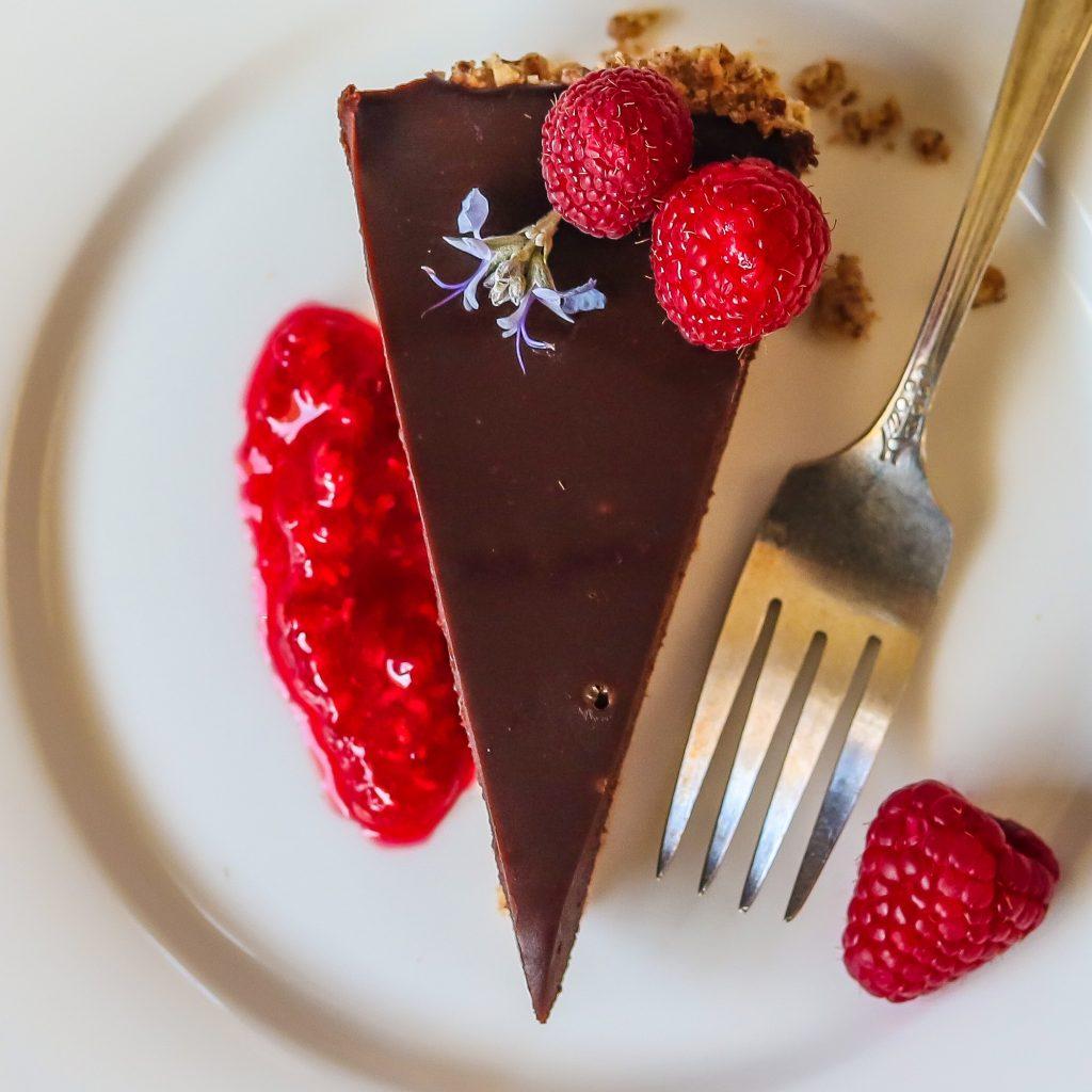 Elegant Chocolate Tart With Raspberry Coulis