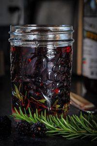 Easy Pickled Blackberries