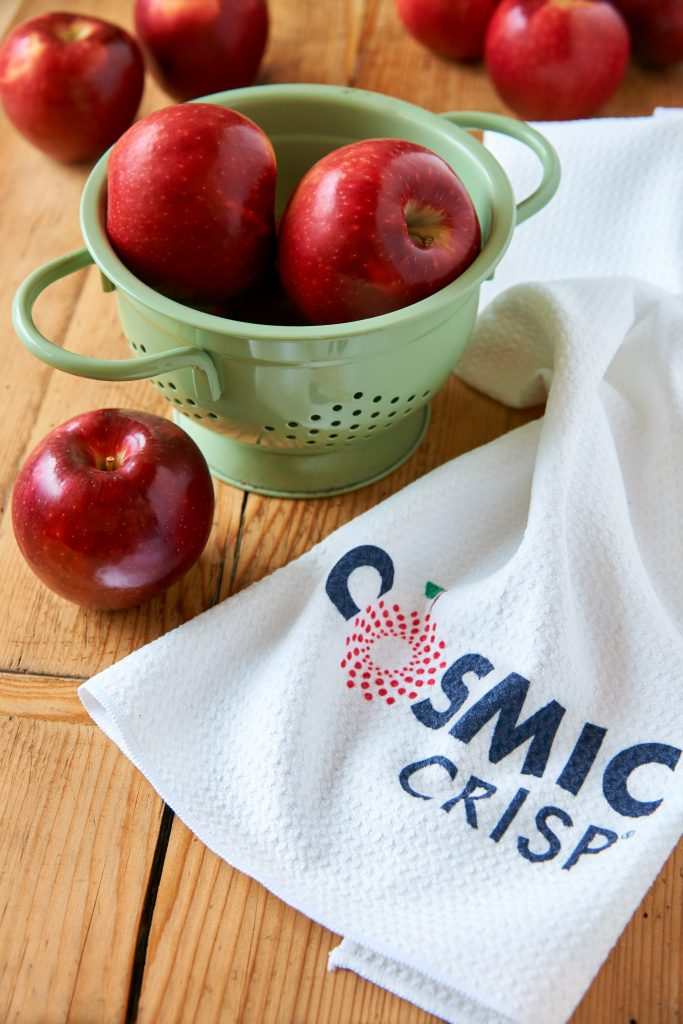 Cosmic Crisp Apples Are Excellent For Eating Raw
